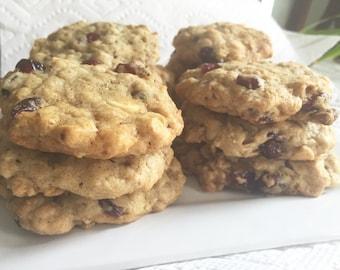 White Chocolate Craisin Oatmeal Cookie