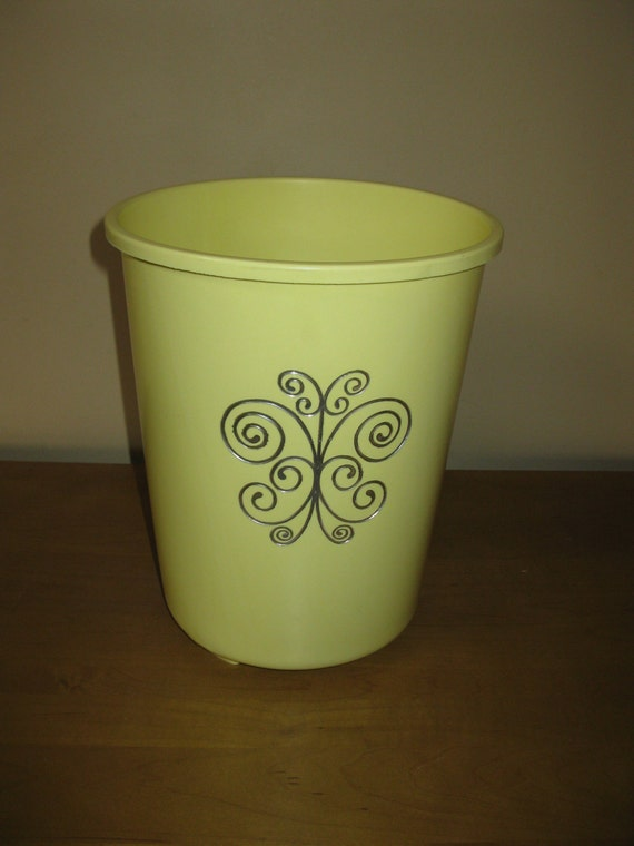 Vintage Yellow Plastic Waste Basket Trash Can Pale Yellow