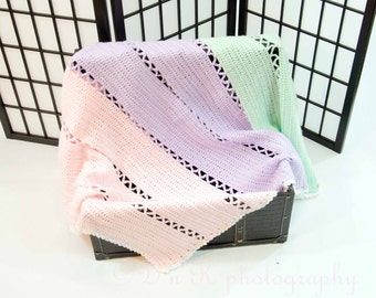 x Lace Baby lightweight baby afghan