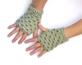 Light Green Crochet Fingerless Gloves Wristwarmers Texting Gloves Fall Winter Accessory