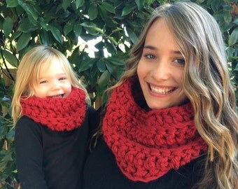 Matching Mother Child Cowls - Matching Cowls - Cowl Set - Matching Mother Child Scarf - Matching Ribbed Cowl - Custom Matching Cowl Set