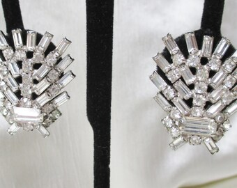 1960s Rhinestone/Silvertone Metal Clip-On Earrings.  Bridal Earrings, Mothers Day Gift, Birthday Gift, Thank You Gift, Bridesmaid Gift
