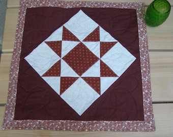 Table mat or wall hanging - Ohio Star pattern