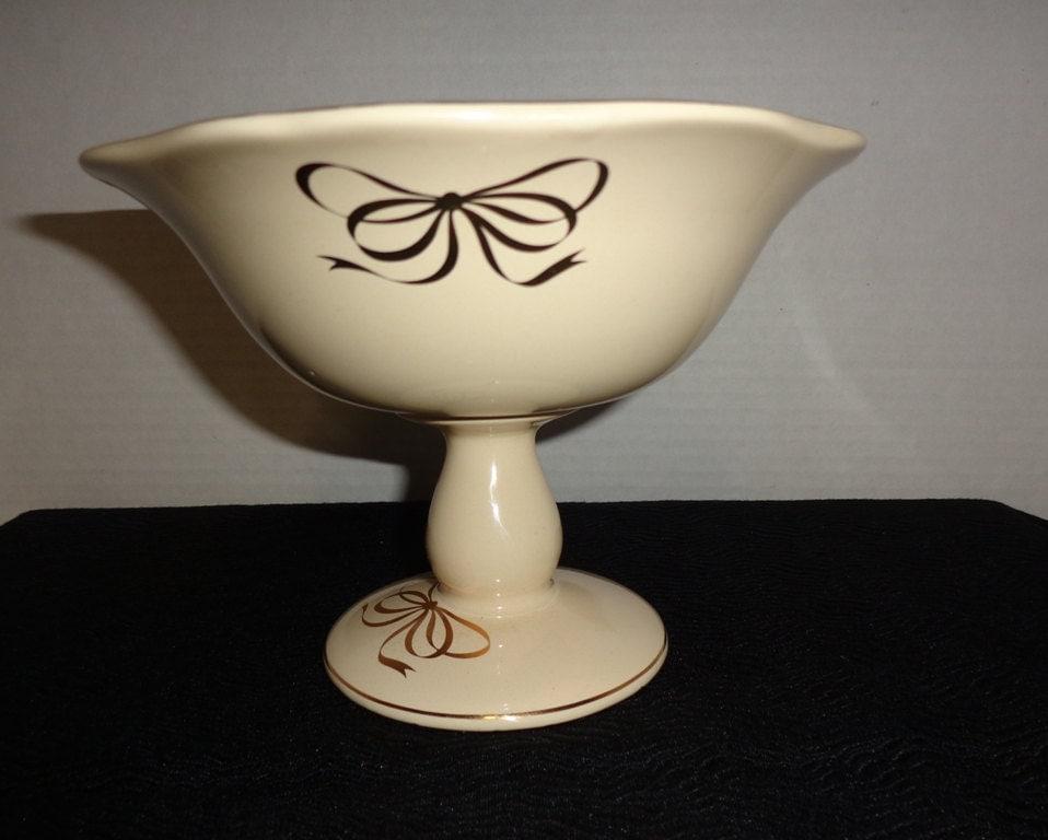 Vintage teleflora centerpiece pedestal bowl candy dish ivory