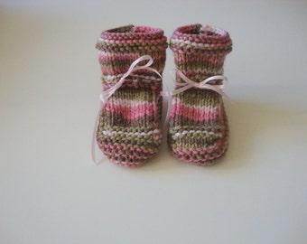 SUMMER SALE Pink Camo Baby Booties, Handknit, Baby Shower Gift, Baby Girl Gift, Newborn, 3 months