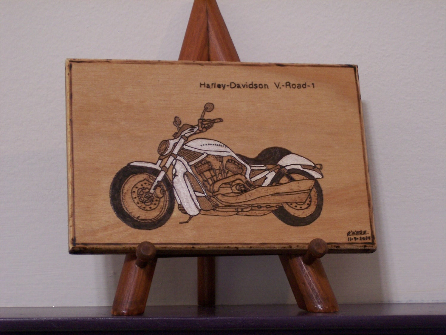 Harley-Davidson V. - Road - 1 Motorcycle Woodburned Wood Ornament / Plaque