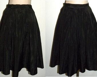 """1950s 50s skirt / Circle skirt / Full skirt / Black / Taffeta / Pleated / 120+ inch sweep / 28"""" waist"""