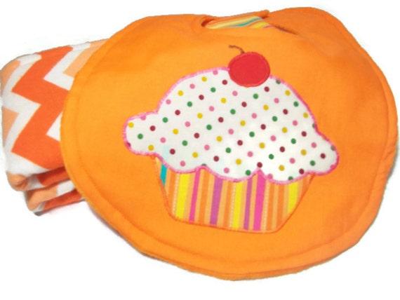 Flannel burp cloths baby bib baby gift set cupcakes feeding and