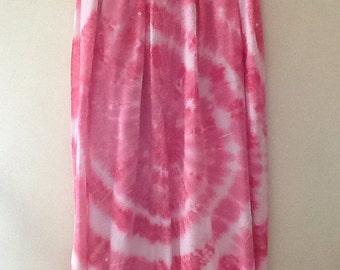 "65""x44"" fuchsia tie dyed sarong with fringe."