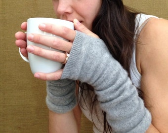 Hobo Gloves, made from 100% recycled cashmere