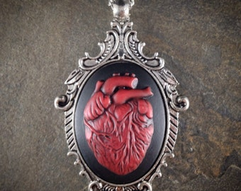 Gothic Valentine VaMPiRe Anatomical HEART Cameo Antq Silver Pendant Necklace