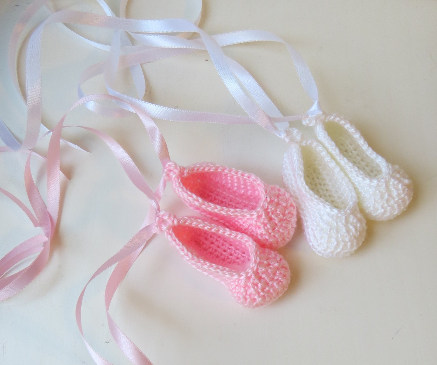 how to make baby shoes out of yarn