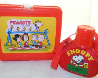 Vintage Peanuts Lunchbox with Canteen Thermos  , 1960s Plastic Peanuts & Snoopy Lunch Box