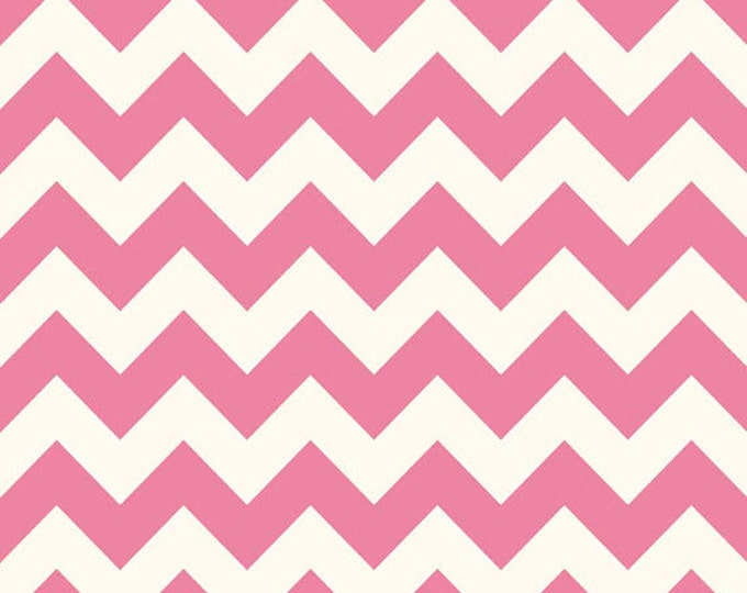 Half Yard Le Creme Chevron - Medium Chevron on Cream in Hot Pink - Cotton Quilt Fabric - C640-70 - Riley Blake Designs (W2462)