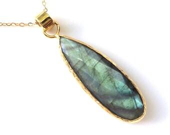 Labradorite Gold Necklace, Delicate Everyday Gray Labradorite necklace, Gold Filled Chain