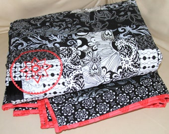 Black and White Lap Quilt with Fuchsia Applique