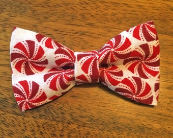 Christmas Candy Clip-On Bow Tie, Red/White Baby Bow Tie, Candy Bow Tie, Christmas Outfit, Baby Bow Tie, Clip-on Bowtie, Bowtie Clip On