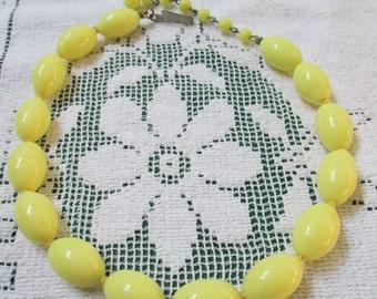 Vintage pastel yellow glass bead choker necklace Japan