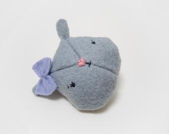 Little grey bunny with bow, felt brooch
