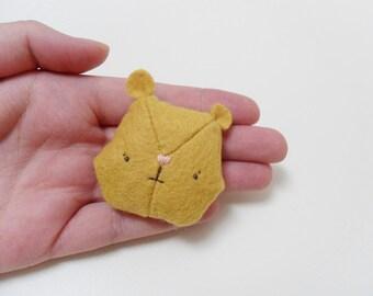 Little mustard teddy bear, felt brooch