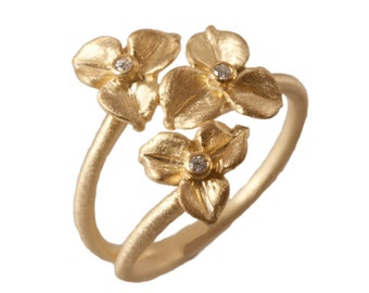 Hydrangea Blossom Ring, Stacking Ring,Diamond Flower Ring, Botanical Jewelry, 14kt Gold Flowers. Handmade by Gevani Jewelry.