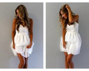 White tulle dress, tulle dress, white dress, strapless dress, beach wedding dress, short wedding dress, simple wedding dress, dress.