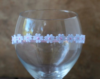Baby Daisy Headband,  Newborn Photo Prop, Newborn Flower Halo, Elastic Headband.