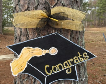 Graduation door hanger,graduating hat Door hanger,Personalized decor hanger,Custom door hanger,summer door sign, party door decor,