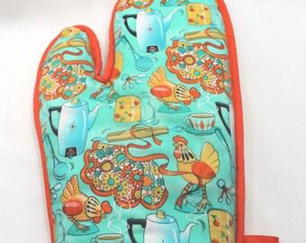 Retro Oven Mitt/Hot Pad Set -Thick - Chickens in Kitchen w/Orange Trim - Kitchen/Housewares Item - Hostess Gift - Gift under 20