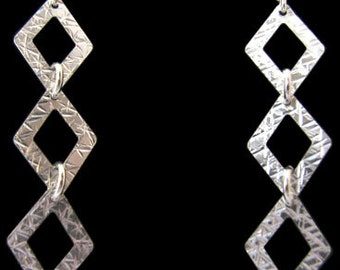 Sterling .925 Silver Earrings with 3 hammered Rhombus Shapes