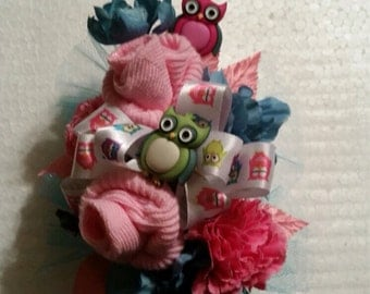 Silk baby owl corsage