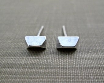 Silver Pyramid Stud Earrings  //  Small Sterling Silver Pyramid Studs // Geometric Silver Earrings // Pyramid Post Earrings