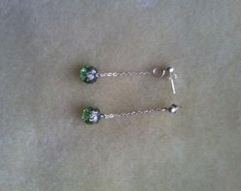 Green leaf studed earrings