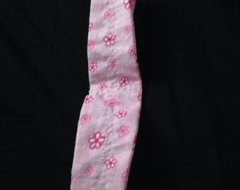 Pink head band for a little girl