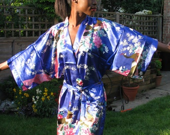 Kimono, robe style. Ideal for Bridal Party