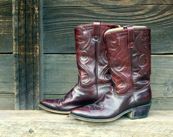 Vintage Acme cowboy boots. Cutout stitched burgundy 8.5 D mens burgundy, mid calf, leather boots. Womens 9.5