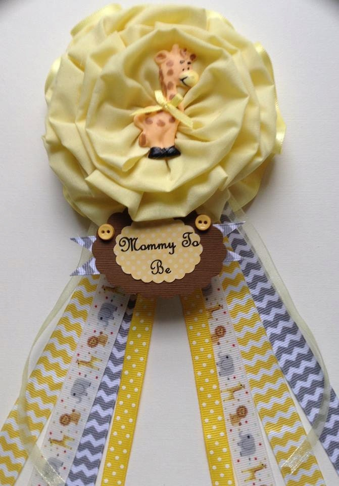 giraffe mommy to be corsage baby shower corsage safari theme