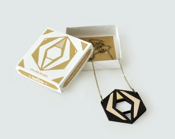 Shuo. Necklace in inlaid wood.