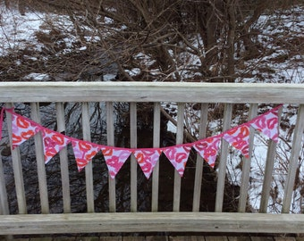 "Valentine's day ""Kiss Me"" reversible fabric triangle banner, pink and red kiss heart lips"