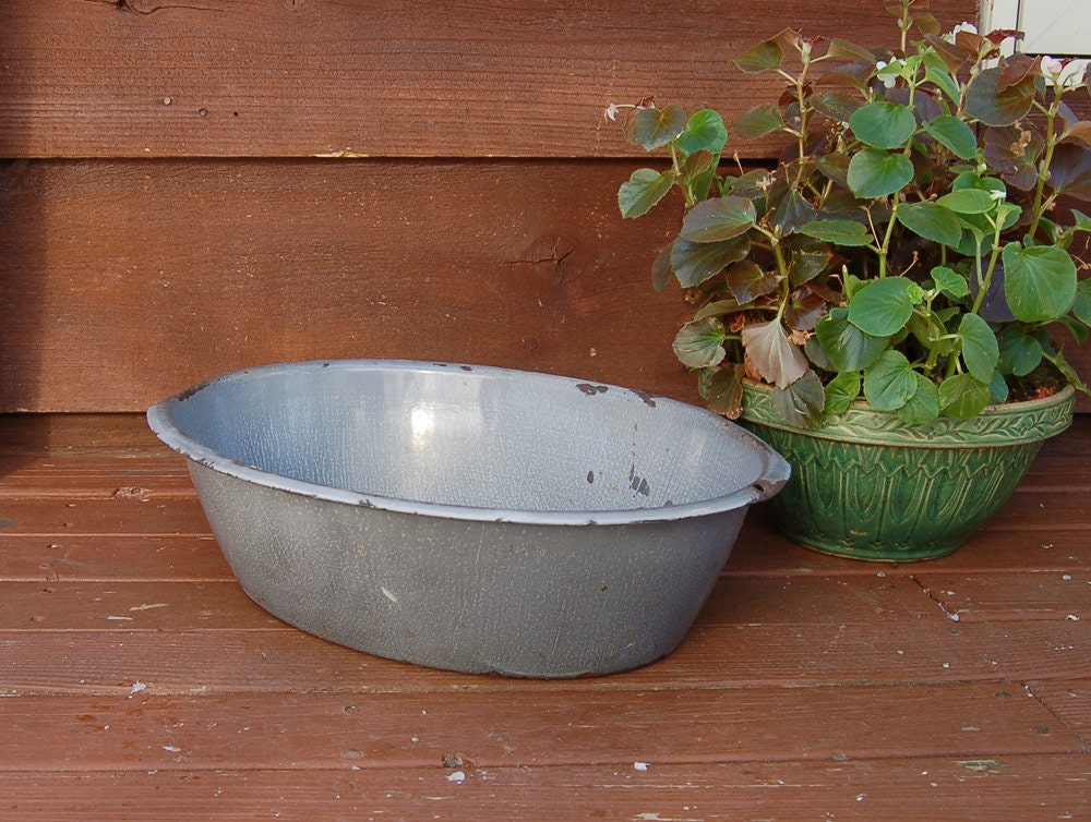 Grainteware basin enamel tub vintage oval gray enamelware for Oval garden tub