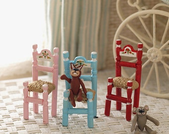 Doll's chair paint
