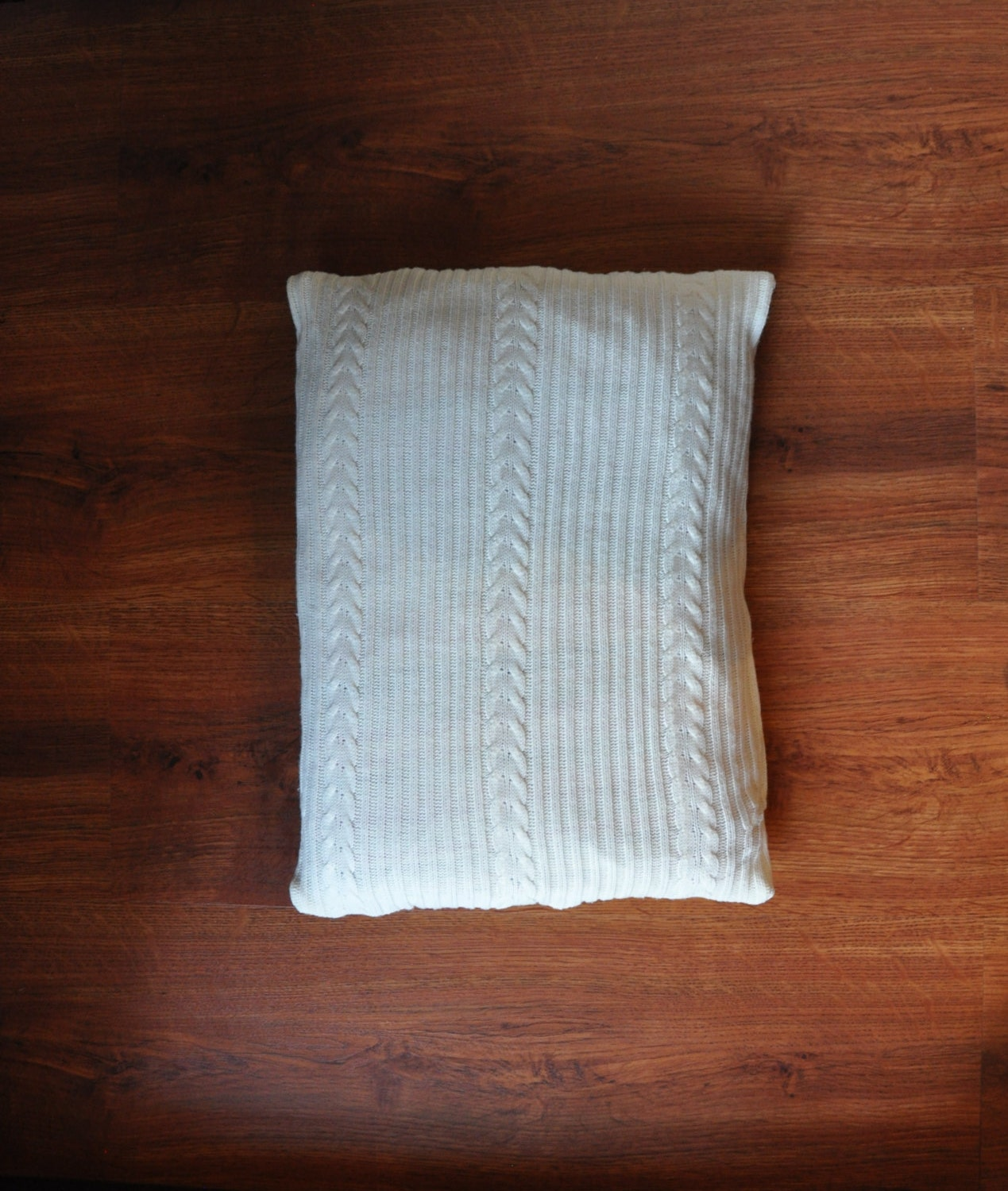 white cable knit pillow lumbar decorative pillow acrylic. Black Bedroom Furniture Sets. Home Design Ideas