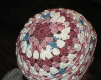Granny Square Hat in Shades of Pink