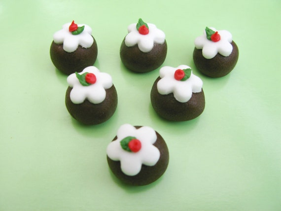 Sugar Cake Decorations For Christmas : 12 Christmas Puddings edible sugar cake decorations