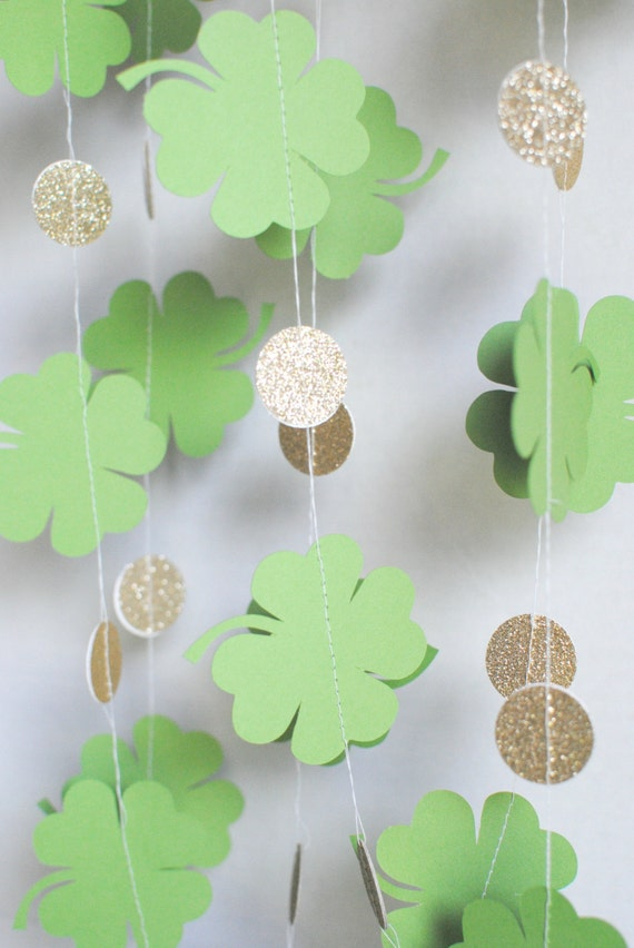 St patricks day shamrock garland gold paper by mpaperdesigns for Shamrock decorations home