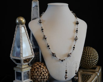 Midnight Beauty: glass beaded necklace and earring set