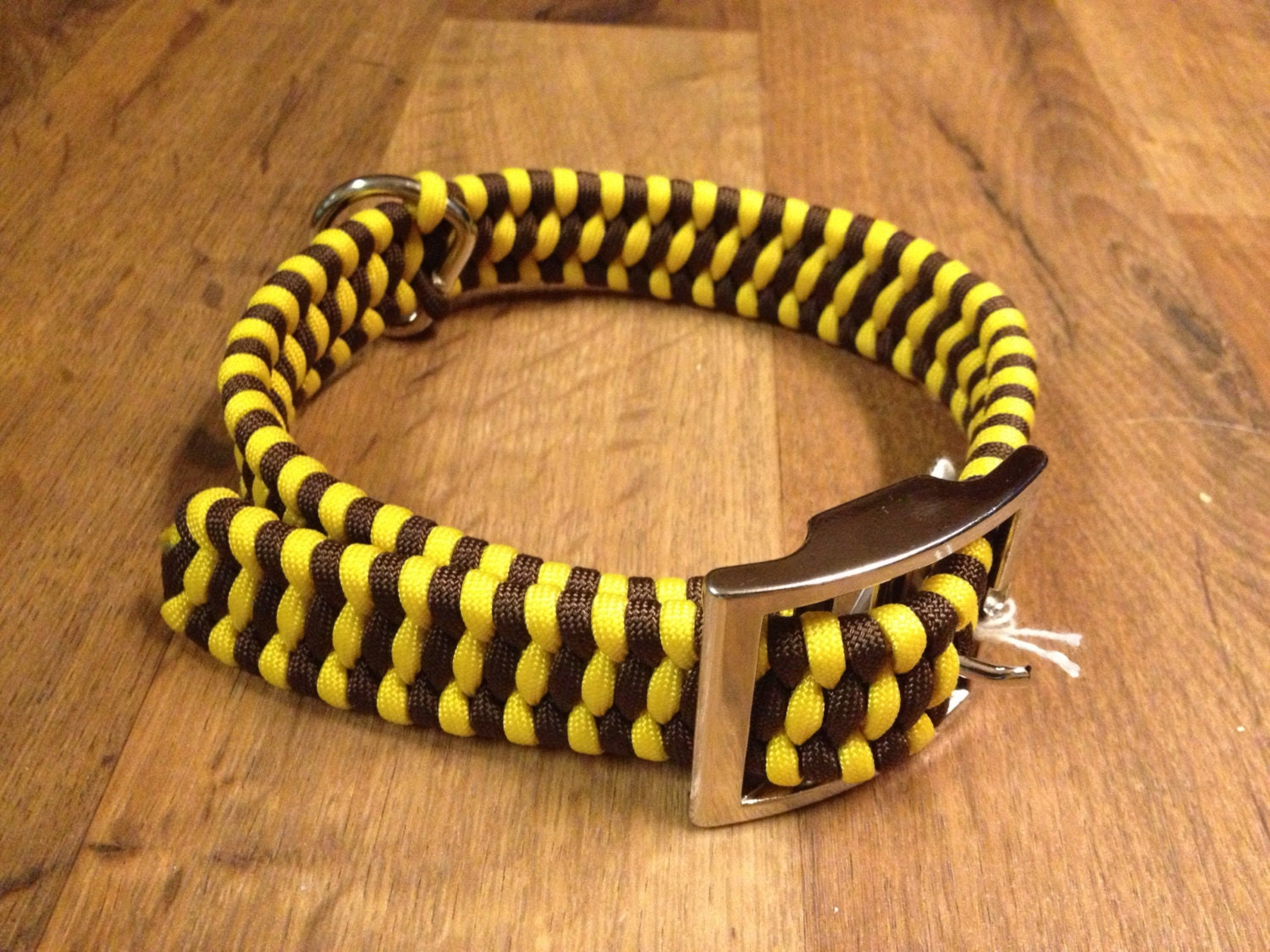 Adjustable paracord dog collar for Things made out of paracord