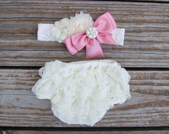 Newborn bloomer set. Newborn lace ruffle diaper cover. Baby diaper cover. Pink baby bloomer set.  Newborn picture outfit. Shower gift.