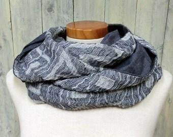 Loop scarf ethno