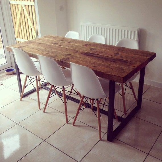 Reclaimed industrial chic 6 8 seater solid wood and metal for Table rectangulaire 6 personnes